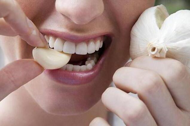 Диетологи назвали плюсы и минусы употребления чеснока