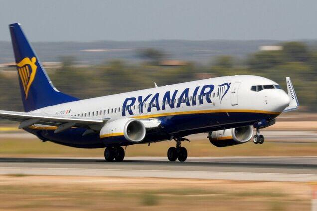 Cамолет Ryanair