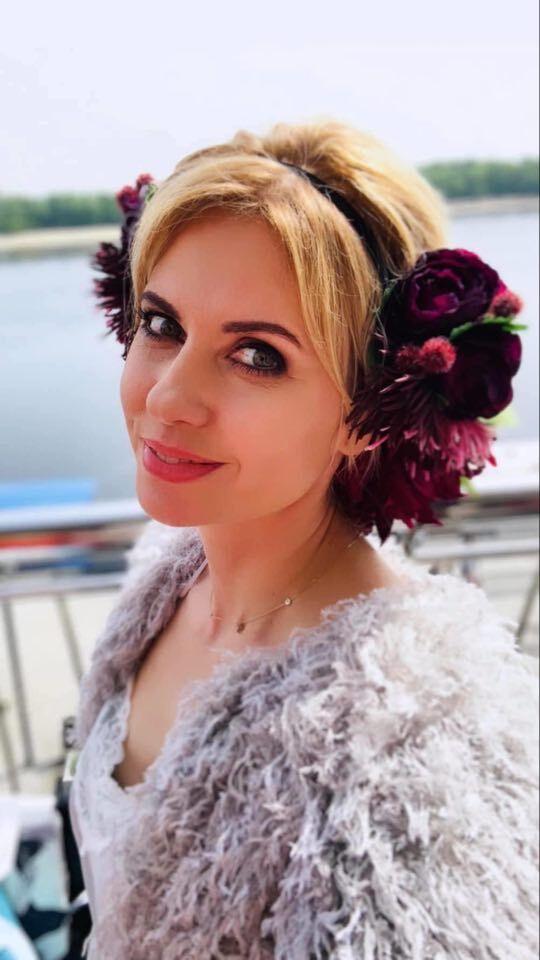 """#Ураїнавдома: ведущие канала """"Украина"""" рассказали, как будут праздновать пасхальные праздники на карантине"""