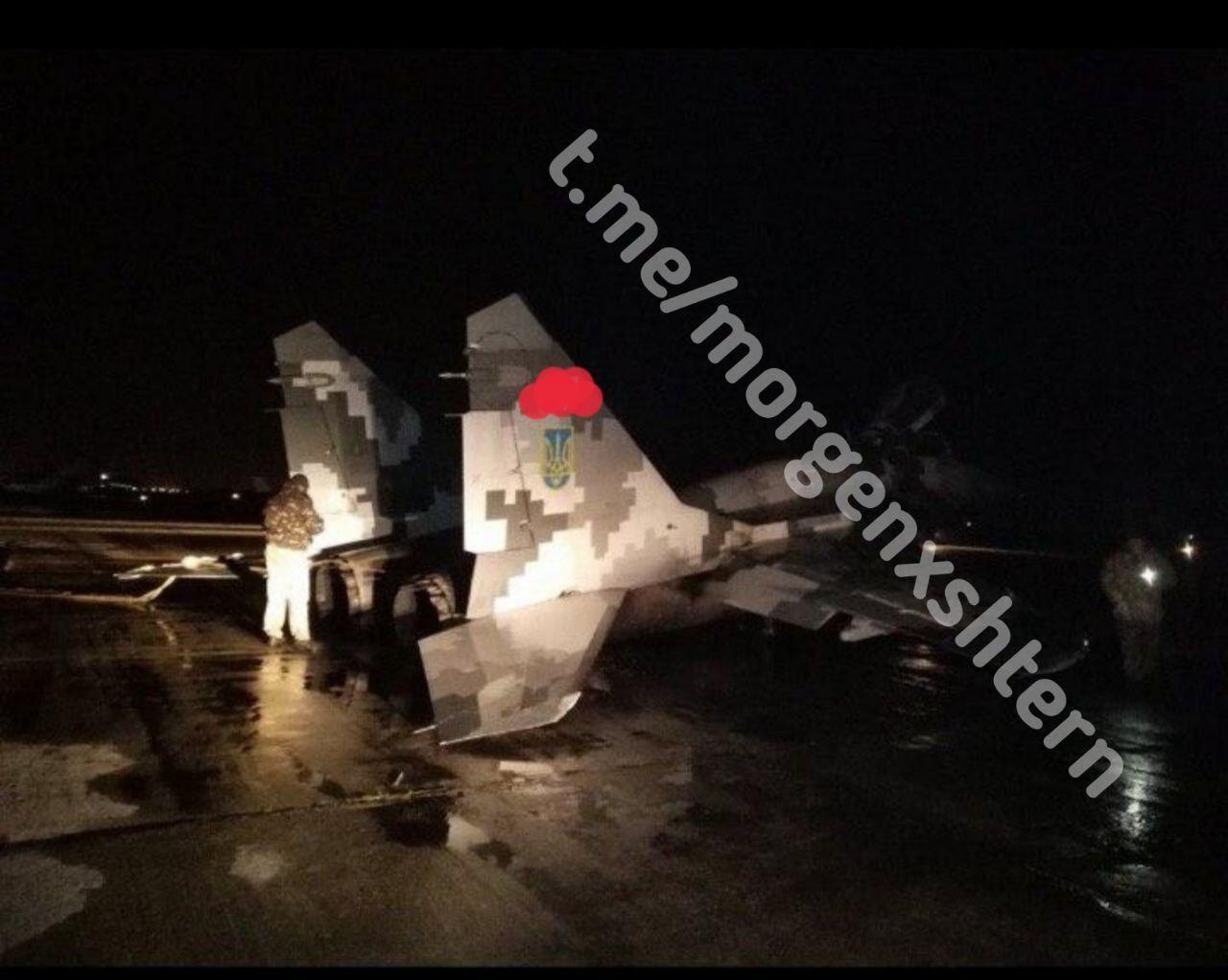 У Мелітополі здійснив аварійну посадку винищувач МіГ-29