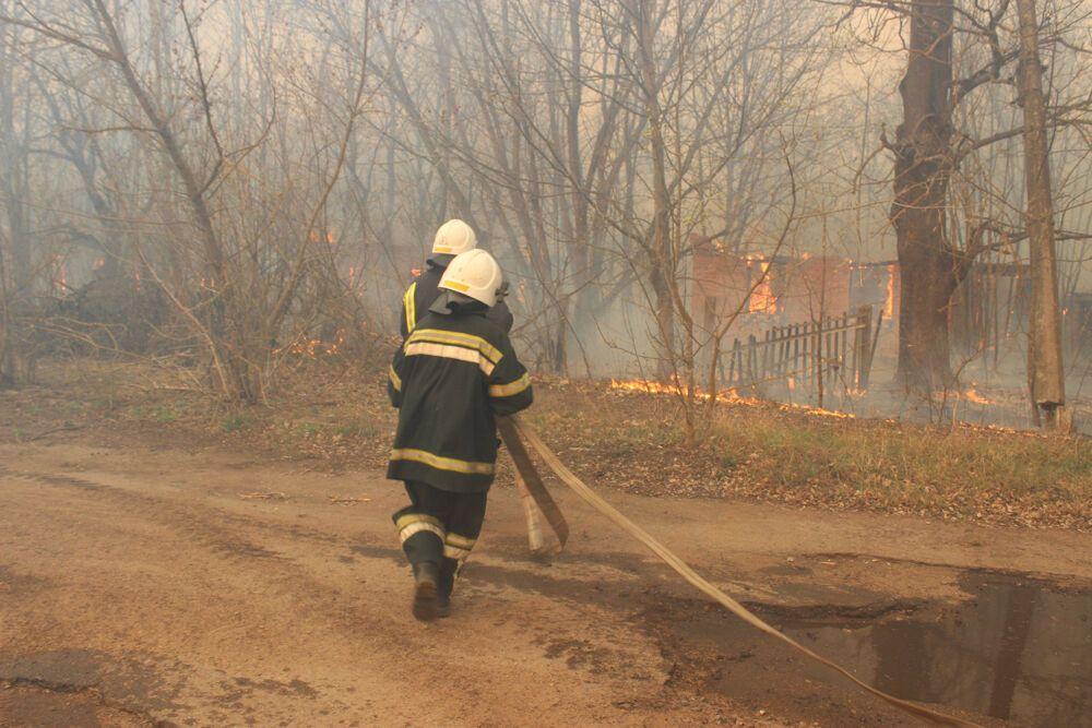 """Огненный """"апокалипсис"""" в Чернобыле не утихает: появились ужасающие фото"""