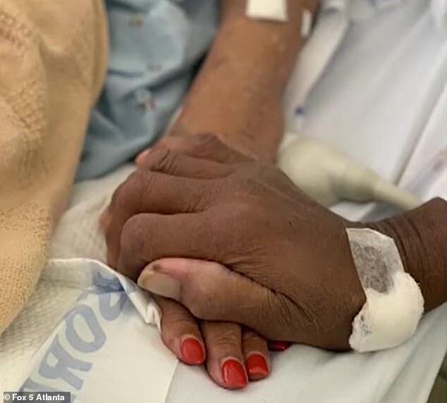 В США супруги умерли от коронавируса через три дня друг от друга