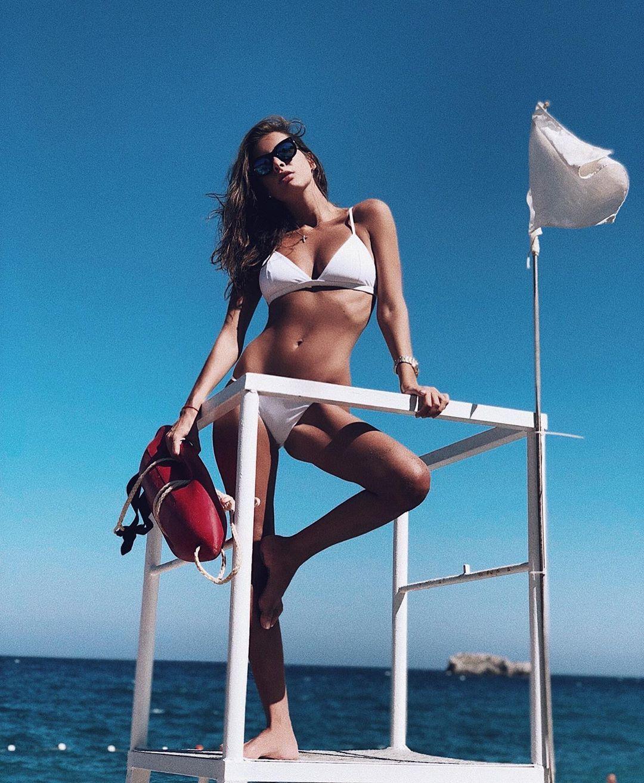 Кети Топурия в откровенном купальнике