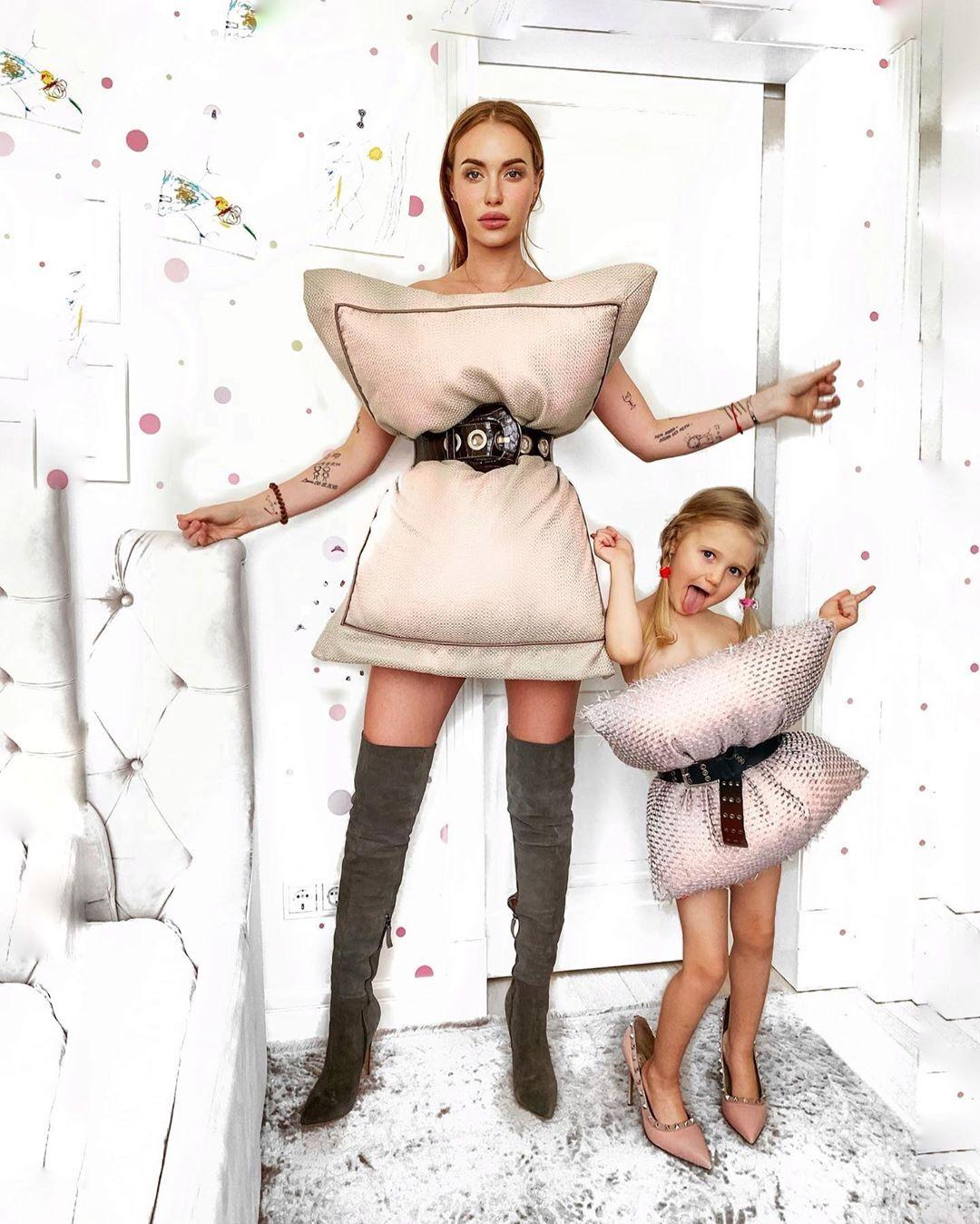 Слава Камінська з донькою