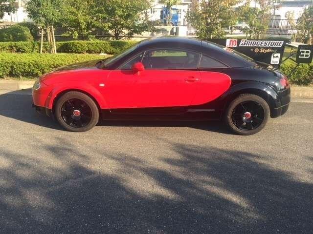 Audi TT намагалися перетворити на Bugatti Veyron. Не вийшло