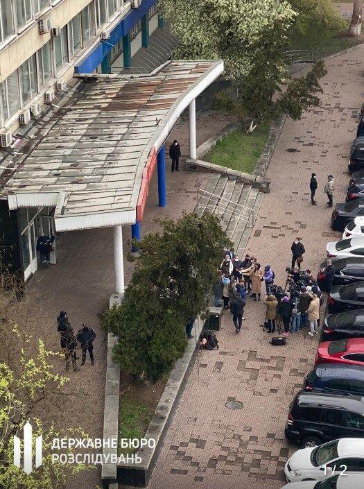 На допит Чорновол прибули журналісти