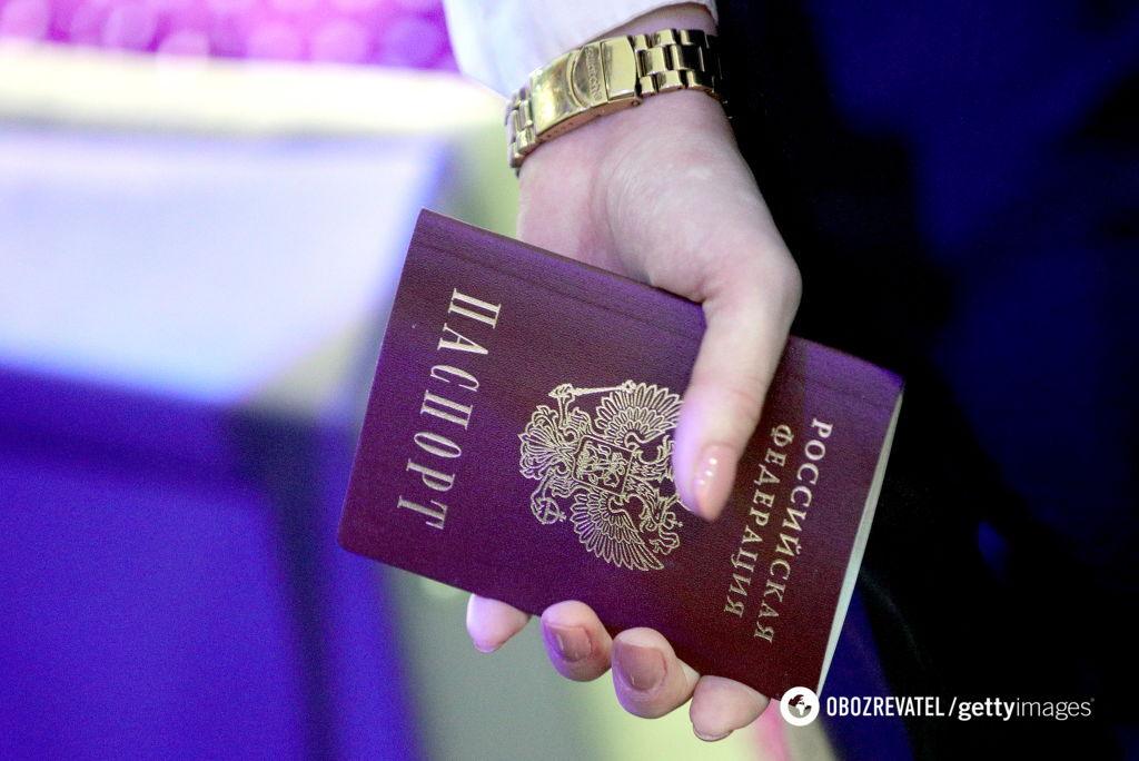 У Держдумі планують безкоштовно видавати паспорти РФ жителям окупованого Донбасу