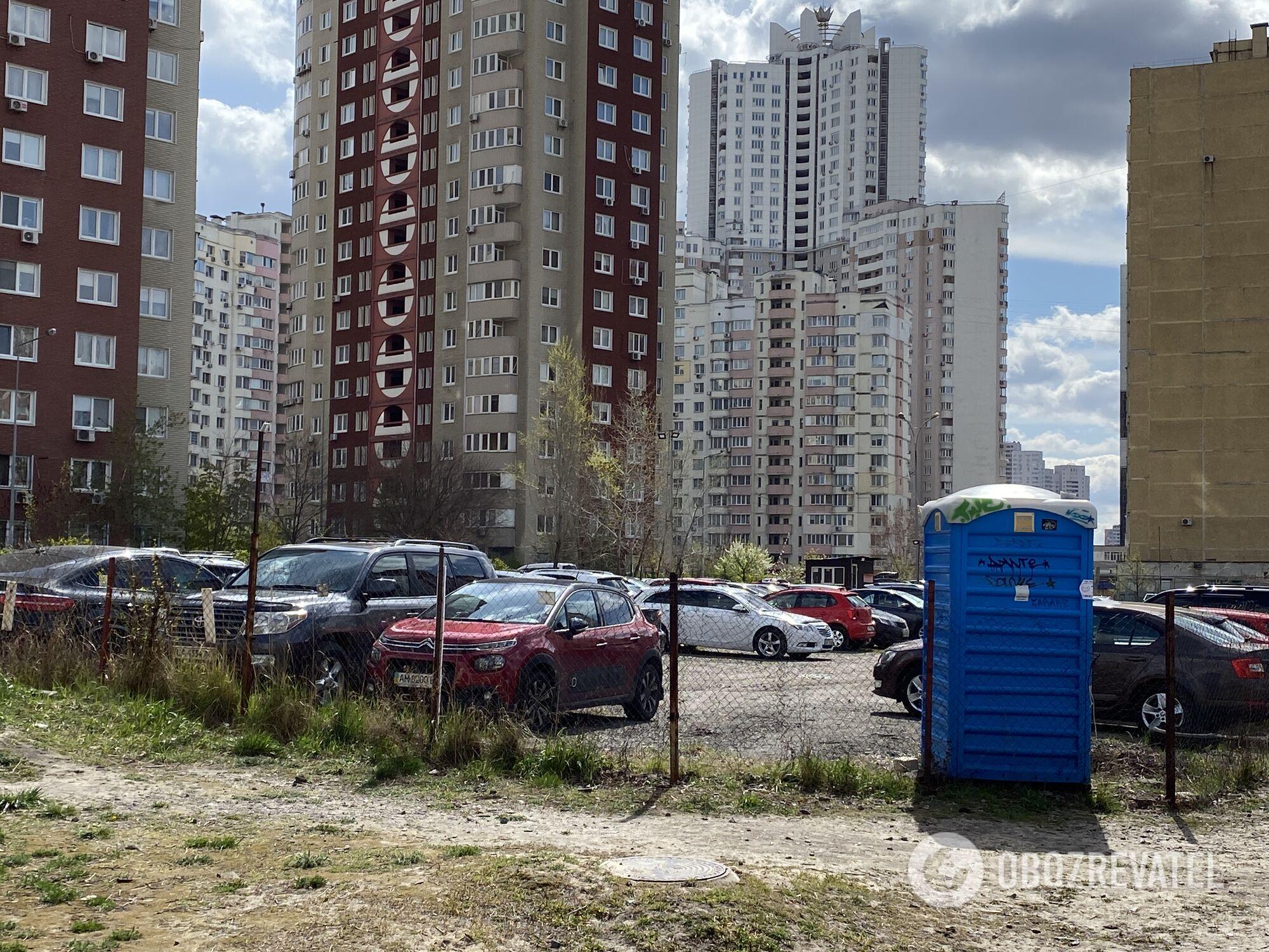 """На """"Позняках-8"""" збираються будувати паркінг"""