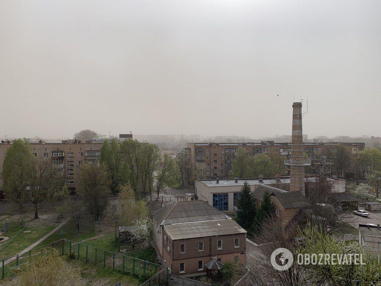 Пылевая буря в Киевской области