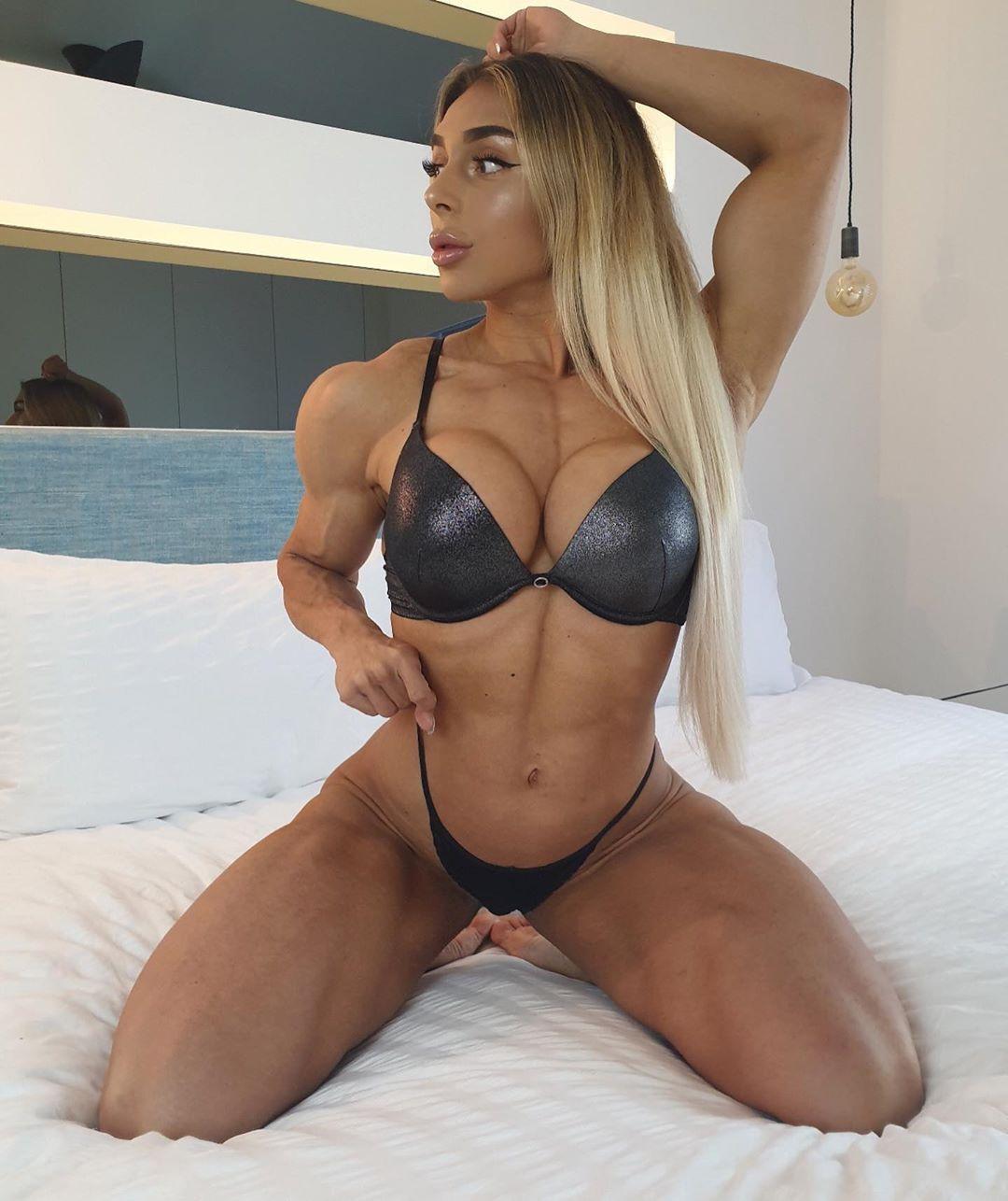 Кіра Джастон