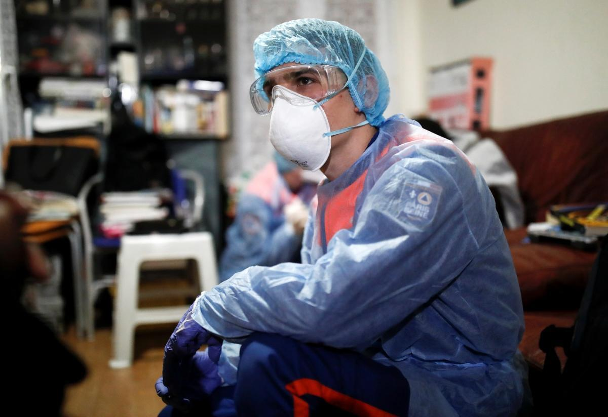 Медики могут стать источником инфицирования, не зная и не ведая