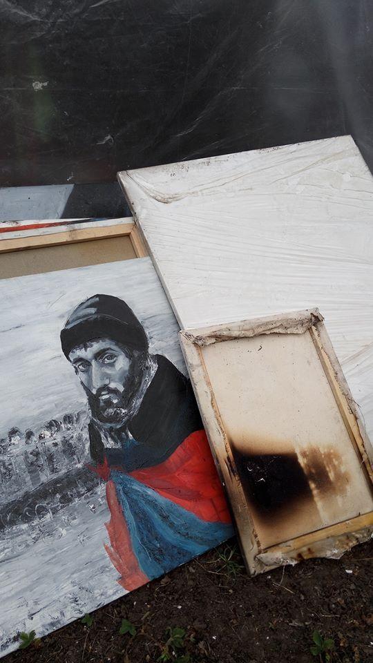 В Пианиста Майдана сгорел дом