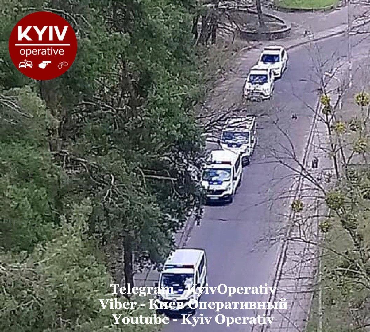 У Києві знайшли рештки людини, замотані у пакет: з'явилися перші фото з місця НП