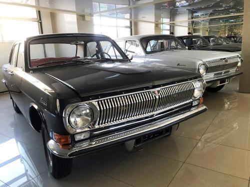 Автосалон советских автомобилей