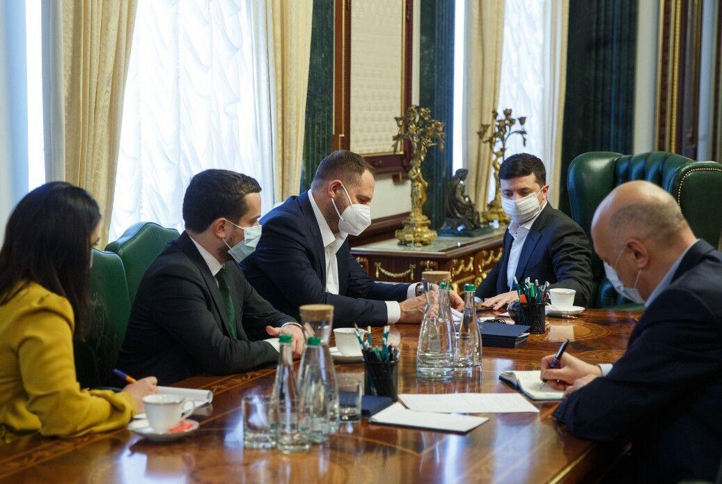 Зеленский на совещаниях в Офисе президента