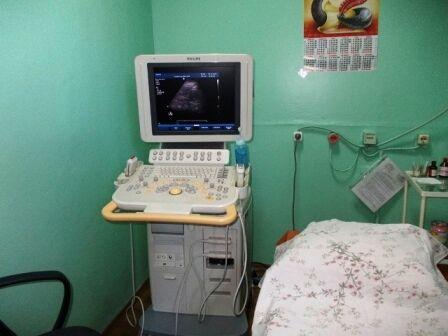 В больнице объясняют ситуацию тем, что проводят много тестов сотрудникам