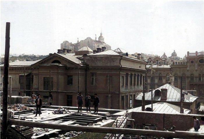 Будівля на Хрещатику в Києві