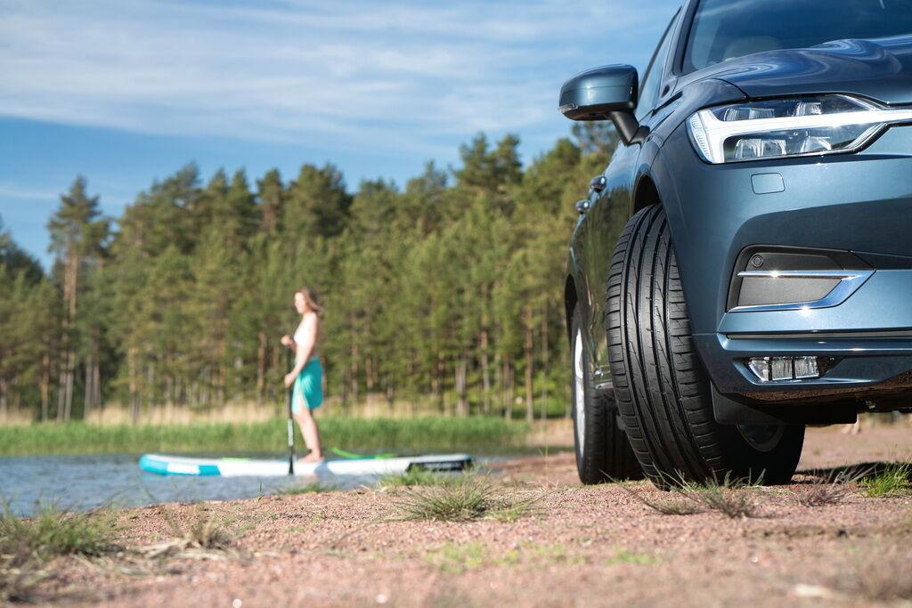 Летние шины гарантируют меньший расход за счет большей жесткости покрышки и меньшего трения