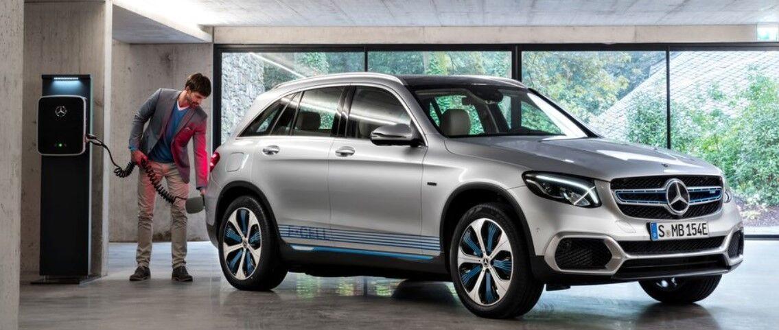Mercedes GLC F-Cell можна заправляти воднем і заряджати від зовнішньої електромережі