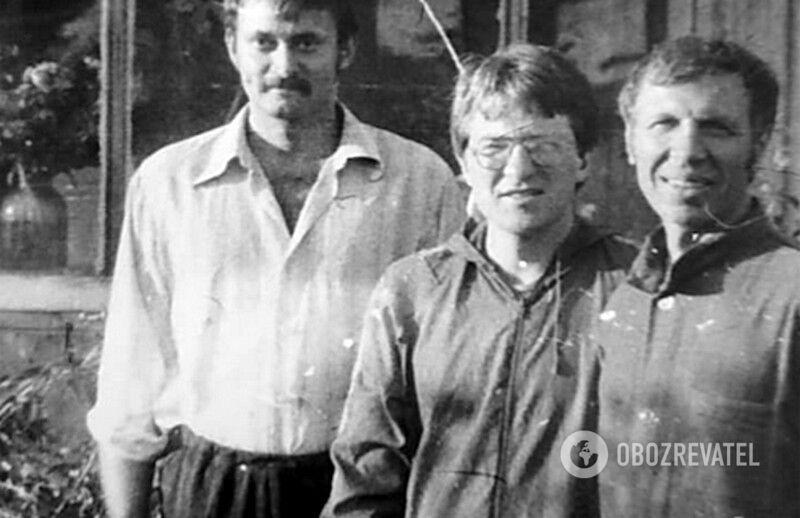 Алексей Ананенко (первый слева)