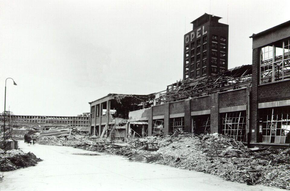 Завод Opel у Рюссельсхаймі в 1944 році