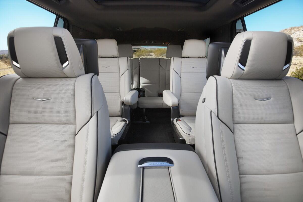 2021 Cadillac Escalade ESV стал на 18% просторнее модели прежнего поколения