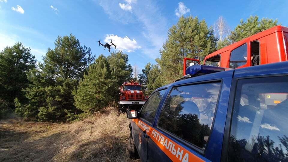 На Житомирщині розгорілися нові пожежі: підняли авіацію