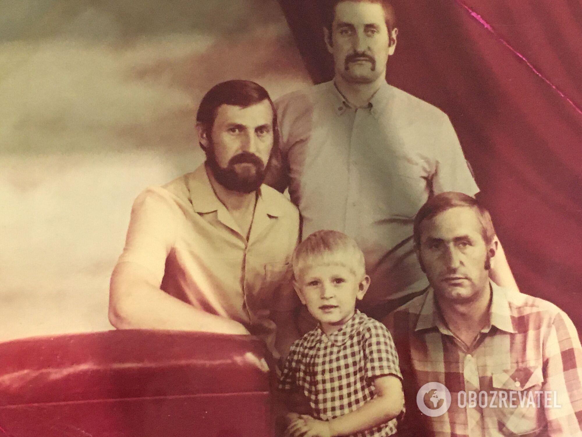Брати Шавреї, Петро (зліва) відростив бороду на знак жалоби за загиблими колегами
