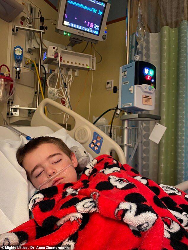 """""""Мамо, я не піду додому"""": лікарка показала, як її син задихався від коронавірусу"""