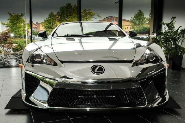 Старий Lexus LFA продають. Дорого