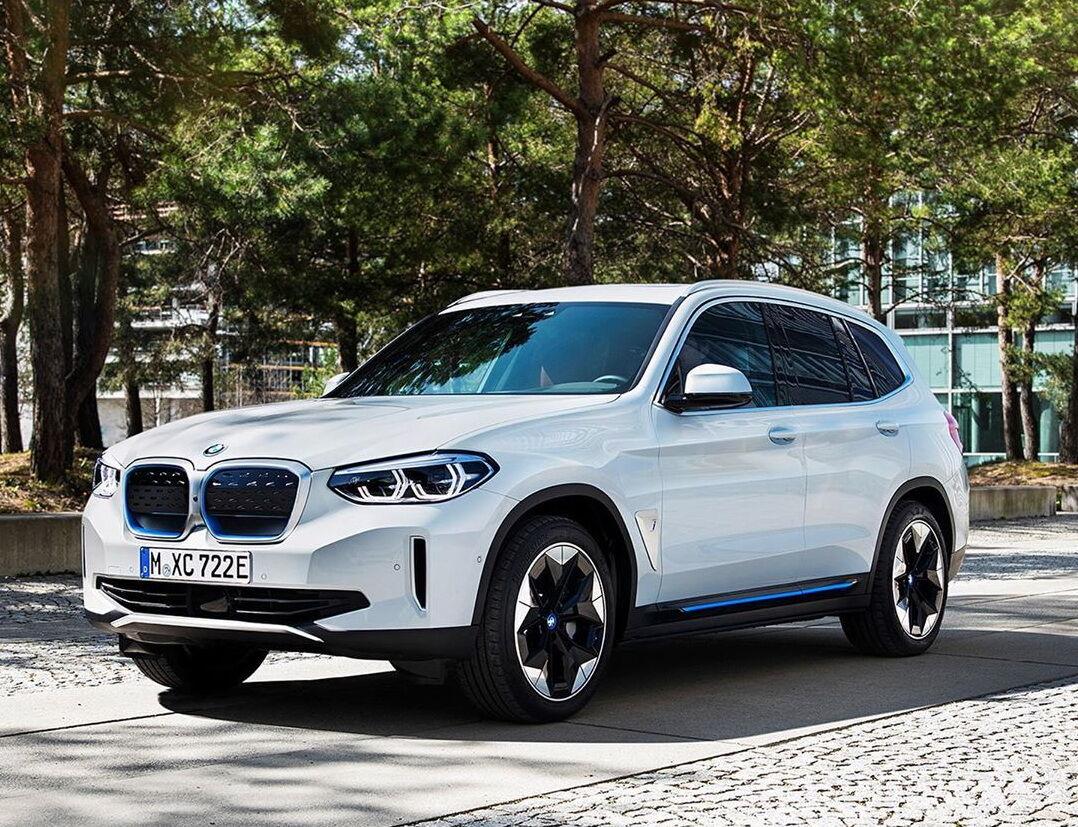 Серійний BMW iX3