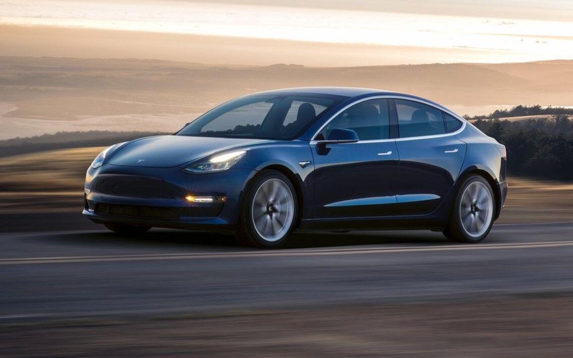 Компанія SONY цілиться в Tesla, хоча ми поки нічого не знаємо про її можливості