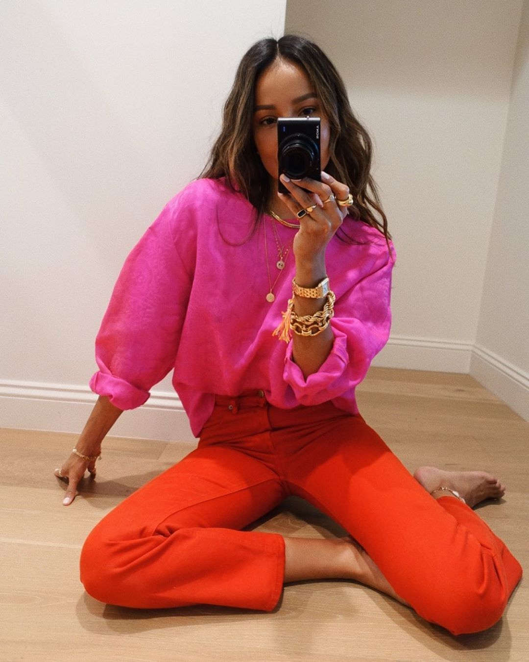 """Скажімо """"ні"""" піжамі! У чому ходити вдома на карантині: модні варіанти"""