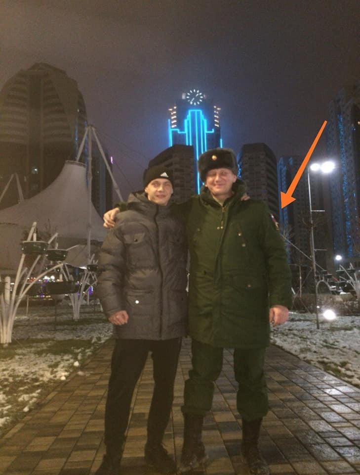 Террорист Адам Грозный в форме полиции РФ