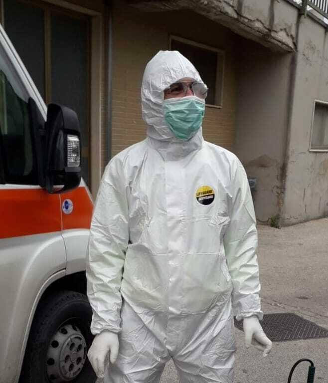 Італійські лікарі продовжують тяжко працювати