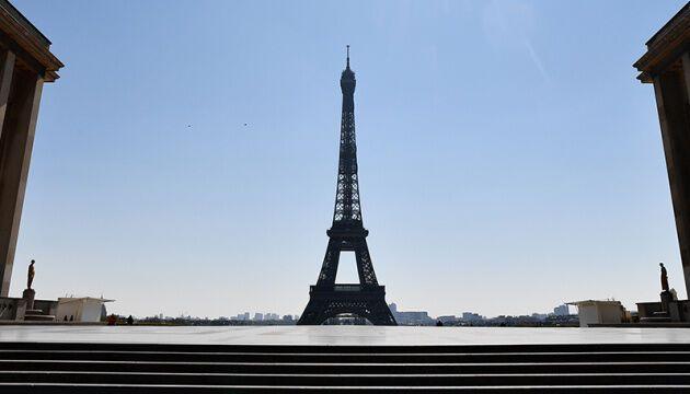 Франція зниматиме обмеження з 11 травня