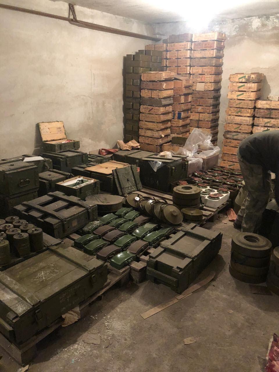 Обнаруженные склады оружия