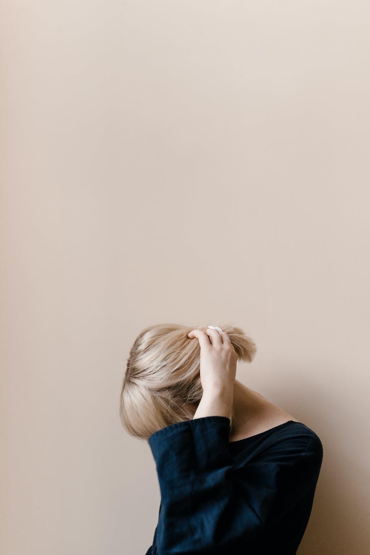 Як доглядати за волоссям на карантині: стилісти дали відповіді