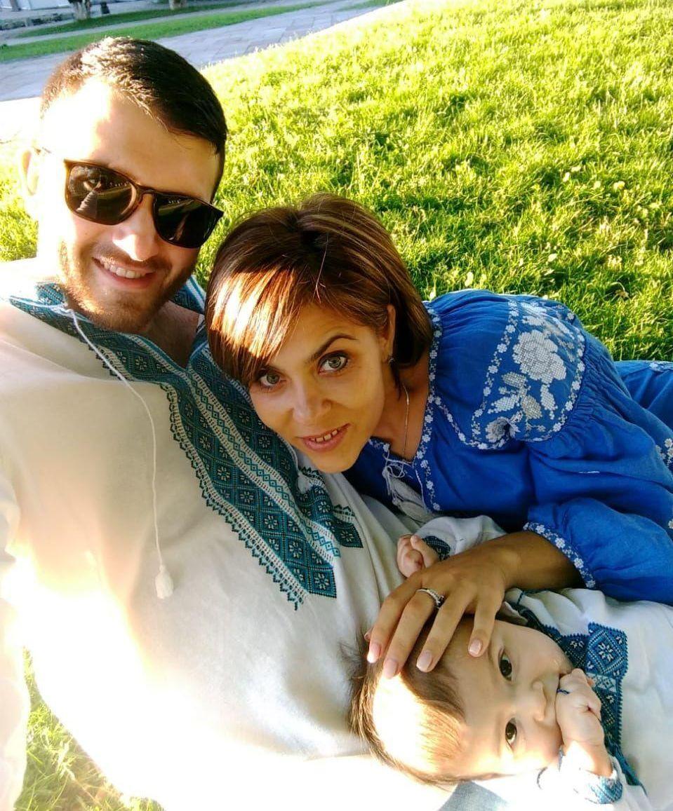 Ніна Карасевич із чоловіком і сином