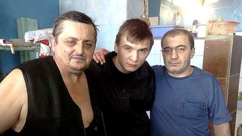В Одесі затримали російського злодія в законі Авто Копала (зліва)
