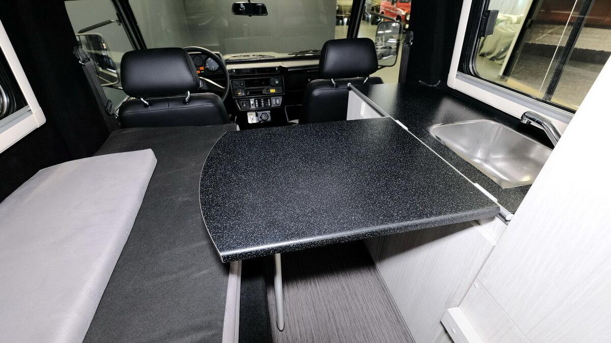 Будинок на колесах на базі Mercedes-Benz G 230 Puch від Lorinser