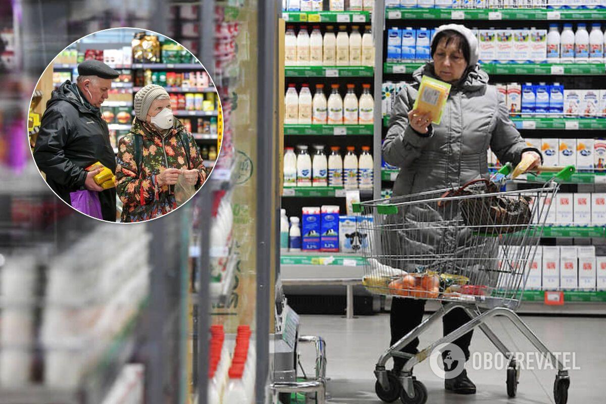 Эксперты рекомендуют протирать ручки тележек и холодильников в супермаркетах дезинфицирующими салфетками