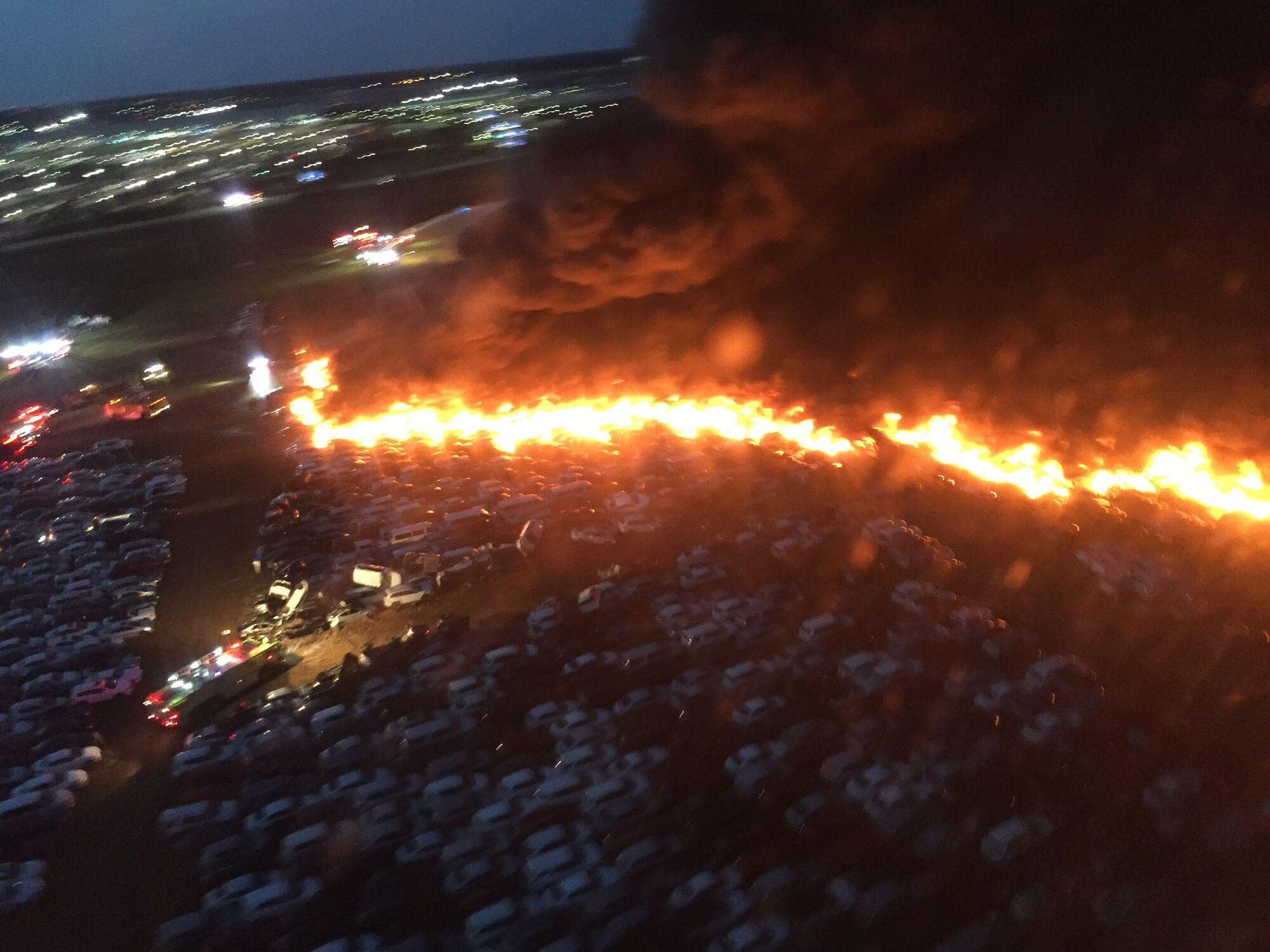 Огненный апокалипсис в аэропорту Флориды: масштабный пожар уничтожил более 3500 авто