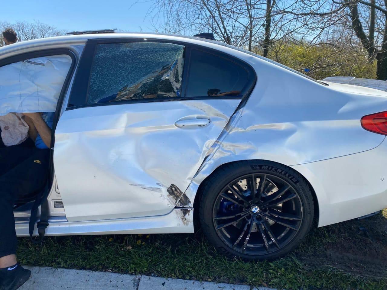 Разбитая BMW M5 с пробегом 11 км
