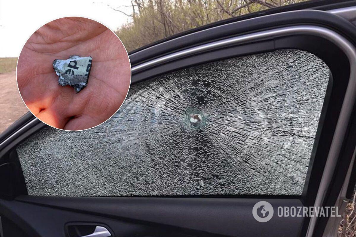 """Террористы """"ДНР"""" обстреляли автомобиль украинских журналистов"""