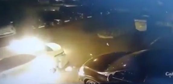"""У Києві """"герою парковки"""" підпалили авто"""