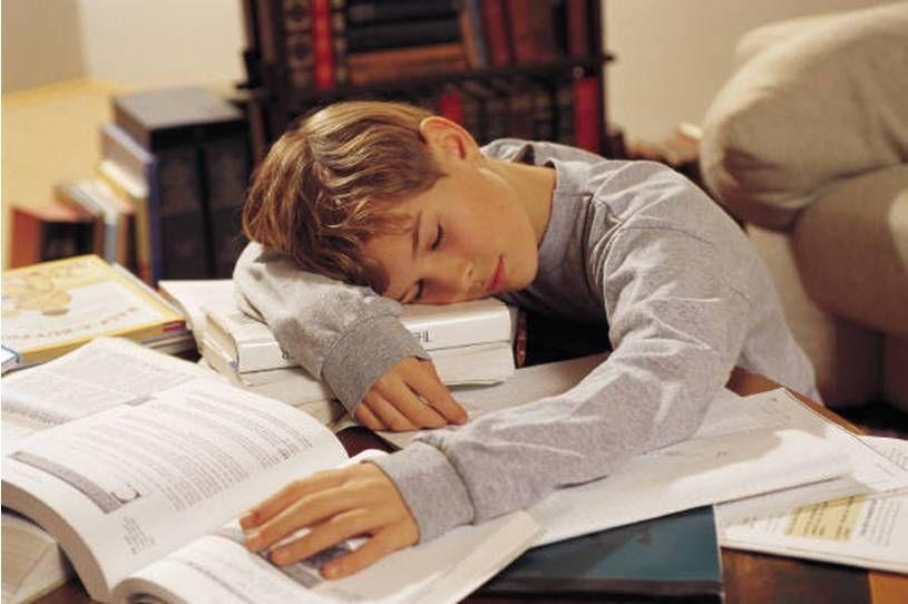 Ребенок за учебой