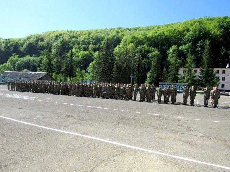 Воинская часть в Делятин