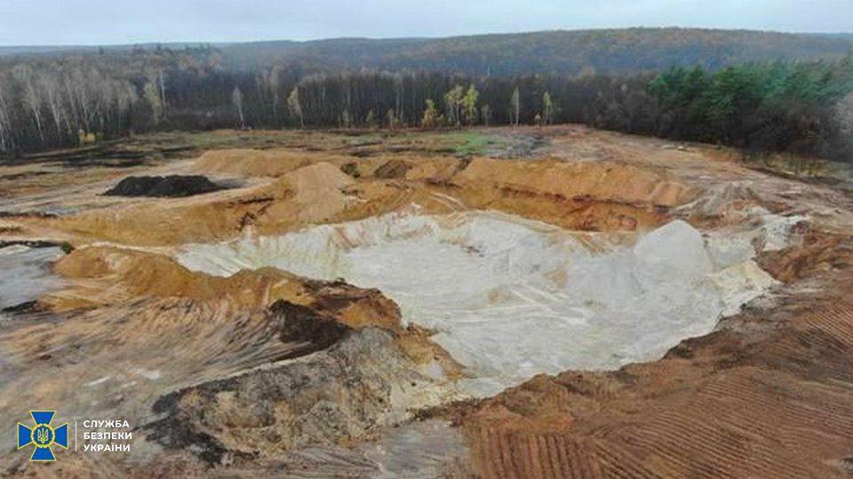 Карьеры по незаконной добыче песка