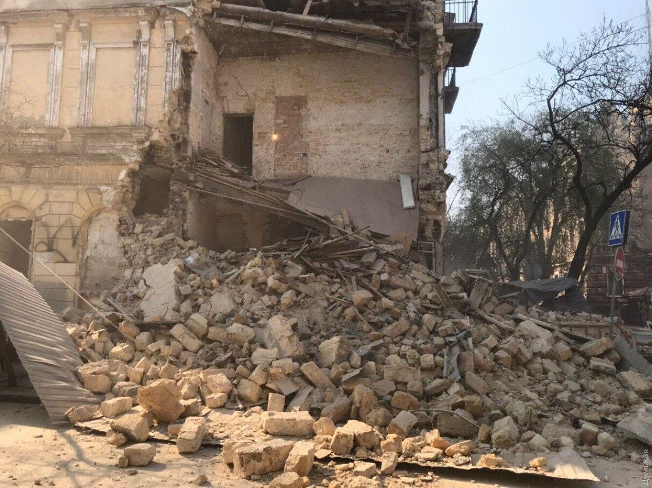 У центрі Одеси обвалилася частина житлового будинку